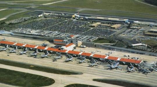 American Airlines Hub -Raleigh-Durham Terminal C