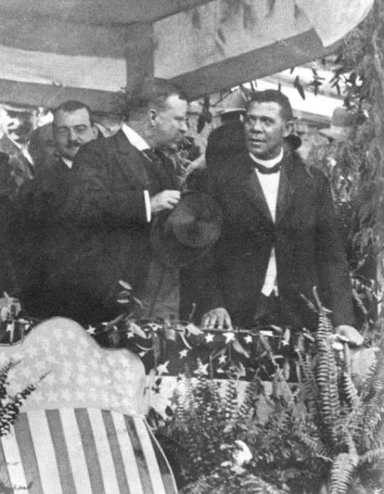 Theodore Roosevelt at Tuskegee with Booker T Washington 1905