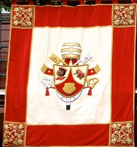 Pope's Crest