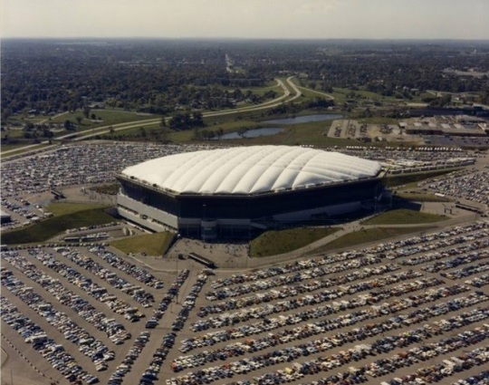 Detroit Video Inside The Pontiac Silverdome A Former Nfl