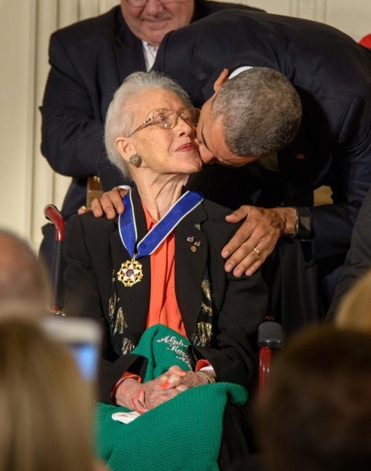 Katherine Johnson and President Barack Obama