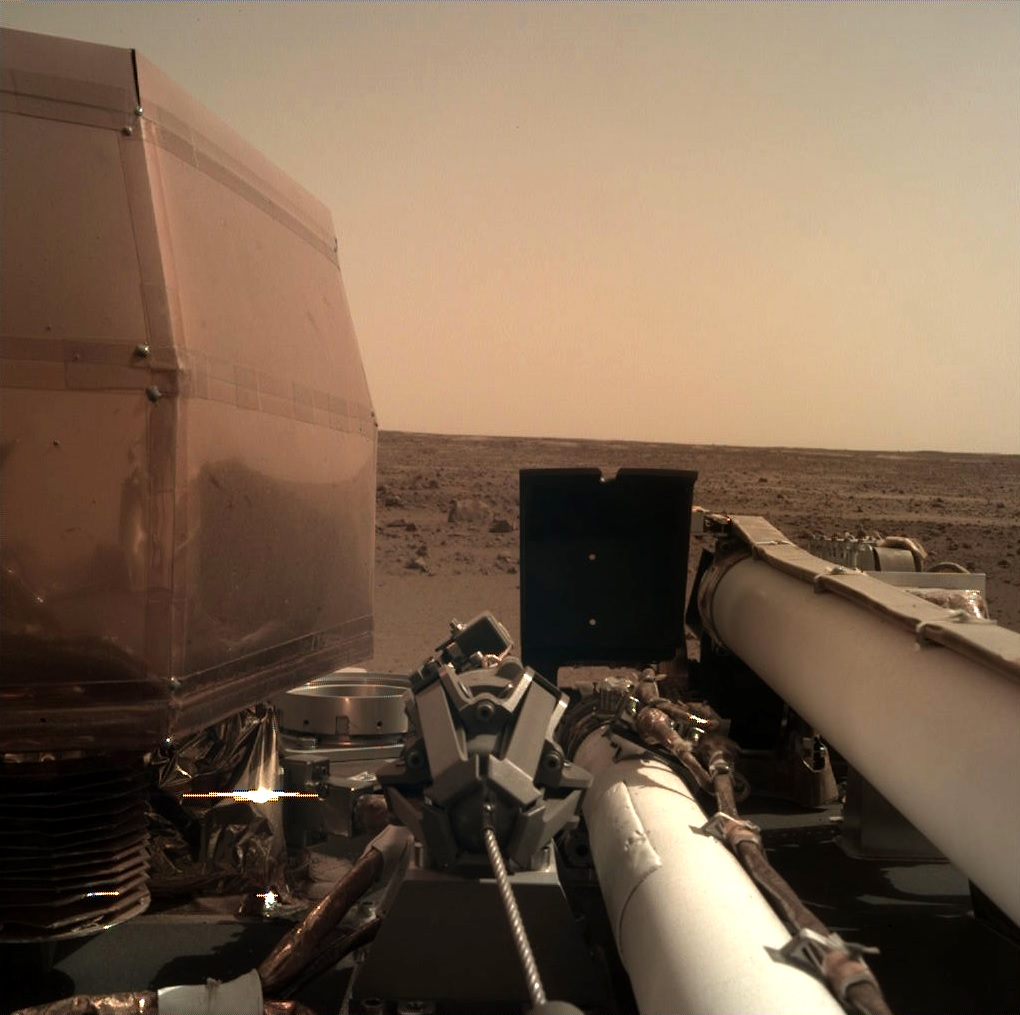 NASA's InSight sends its first photos back from the ...